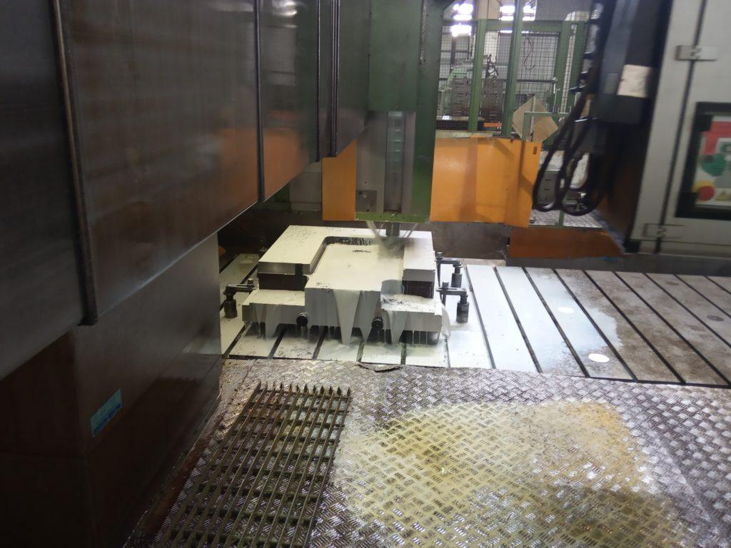 Обработка плиты для штампа